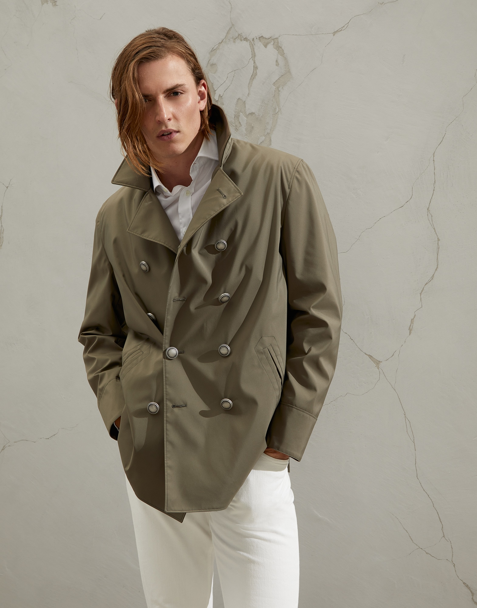 Brunello Cucinelli Water-resistant fit nylon fabric, navy style jacket with metal buttons